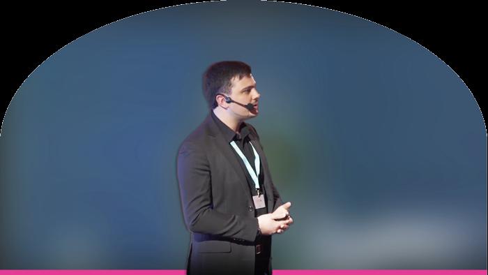 JulienRio.com - Julien Rio conférence Stratégie Clients avec Dimelo et Recast SAP